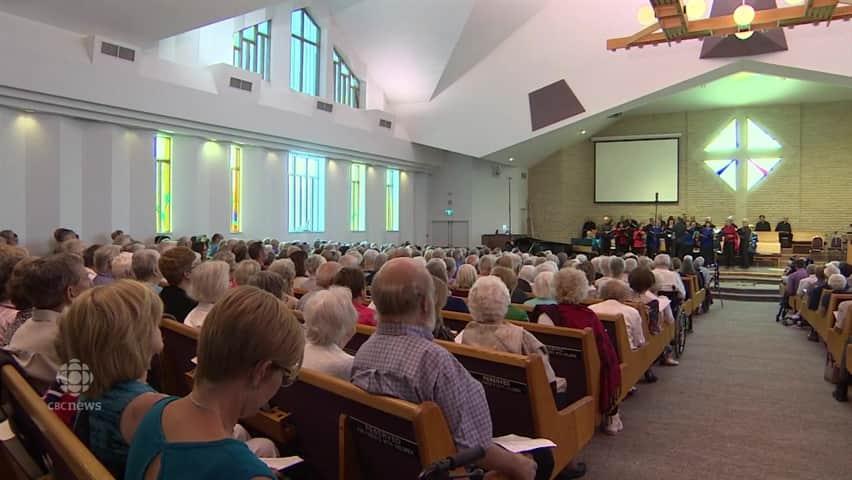 Hymn Sing alumni perform reunion show
