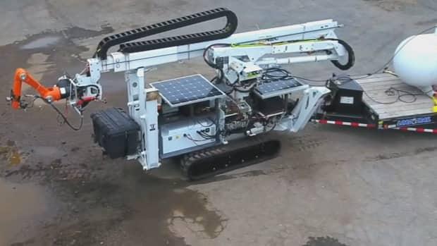 Watch MIT's new construction robot 3D print a foam structure