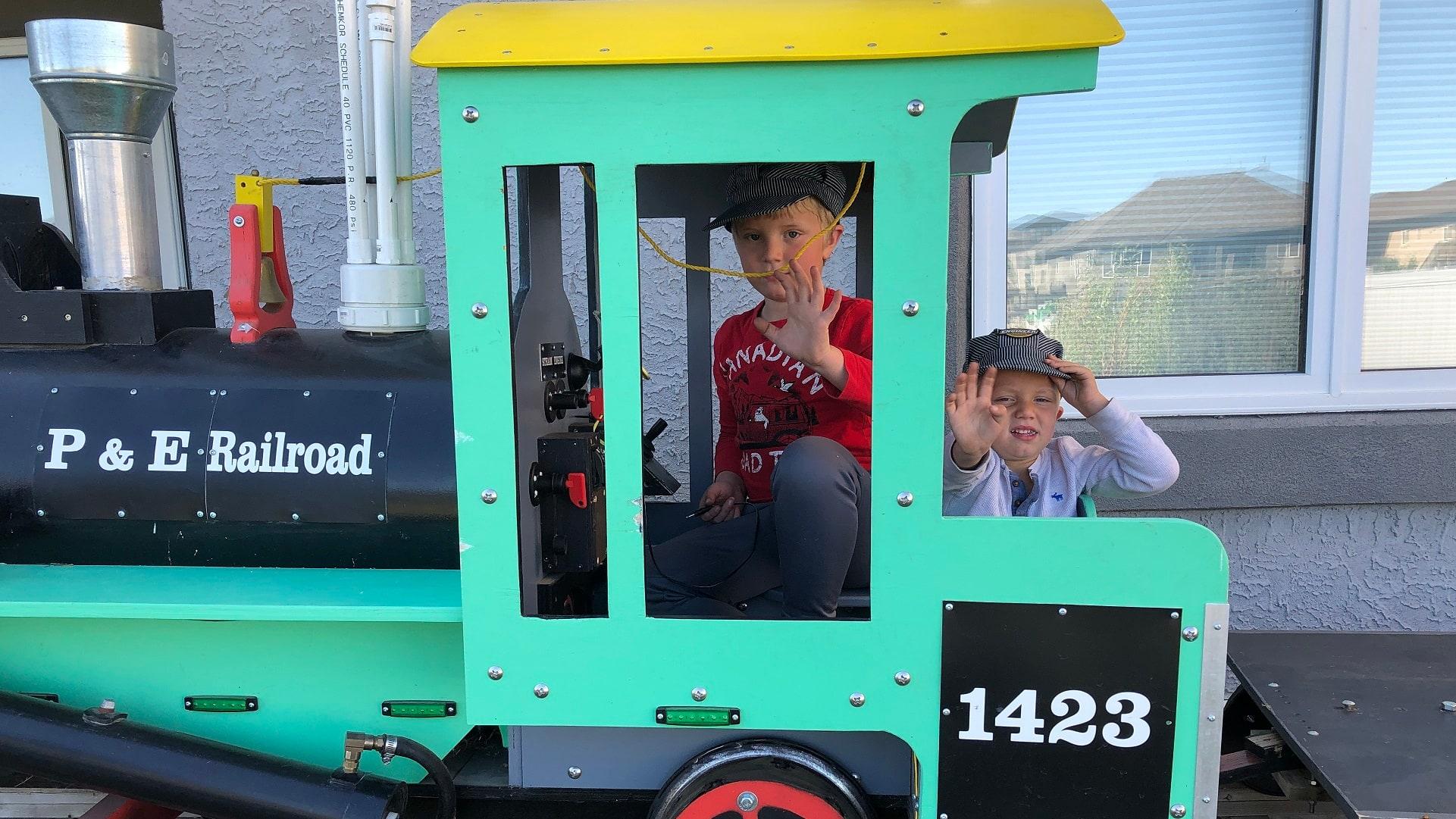 Take a ride on a backyard train | CBC.ca