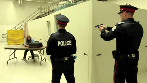 Why Police Need Training To Interact >> Hold Your Fire Police Learn How To Interact With Mentally Ill