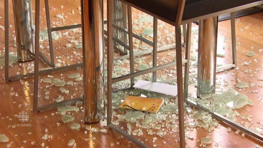 Niverville Family Says Glass Table Exploded In Their Home Cbc News - Why Do Glass Tables Explode