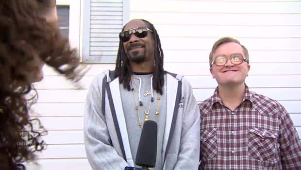 cb8f2b47b8 Snoop Dogg s sexist comments about camerawoman  creepy and awkward ...