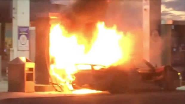 Porsche 918 Spyder Burns