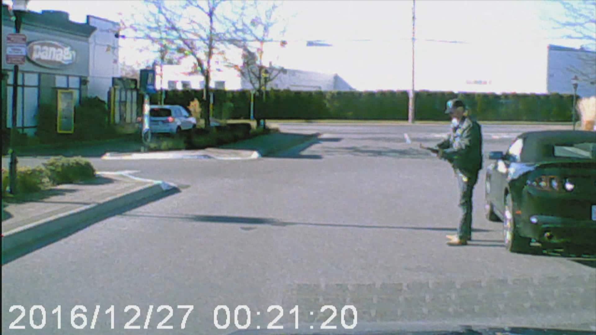 Dashcam footage shows killer of Abbotsford police officer holding gun