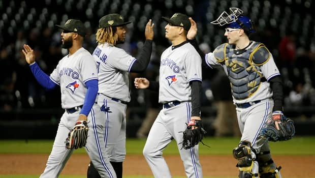 d4ef9e092c1c2e Blue Jays blast 3 homers to coast to victory over White Sox   CBC Sports