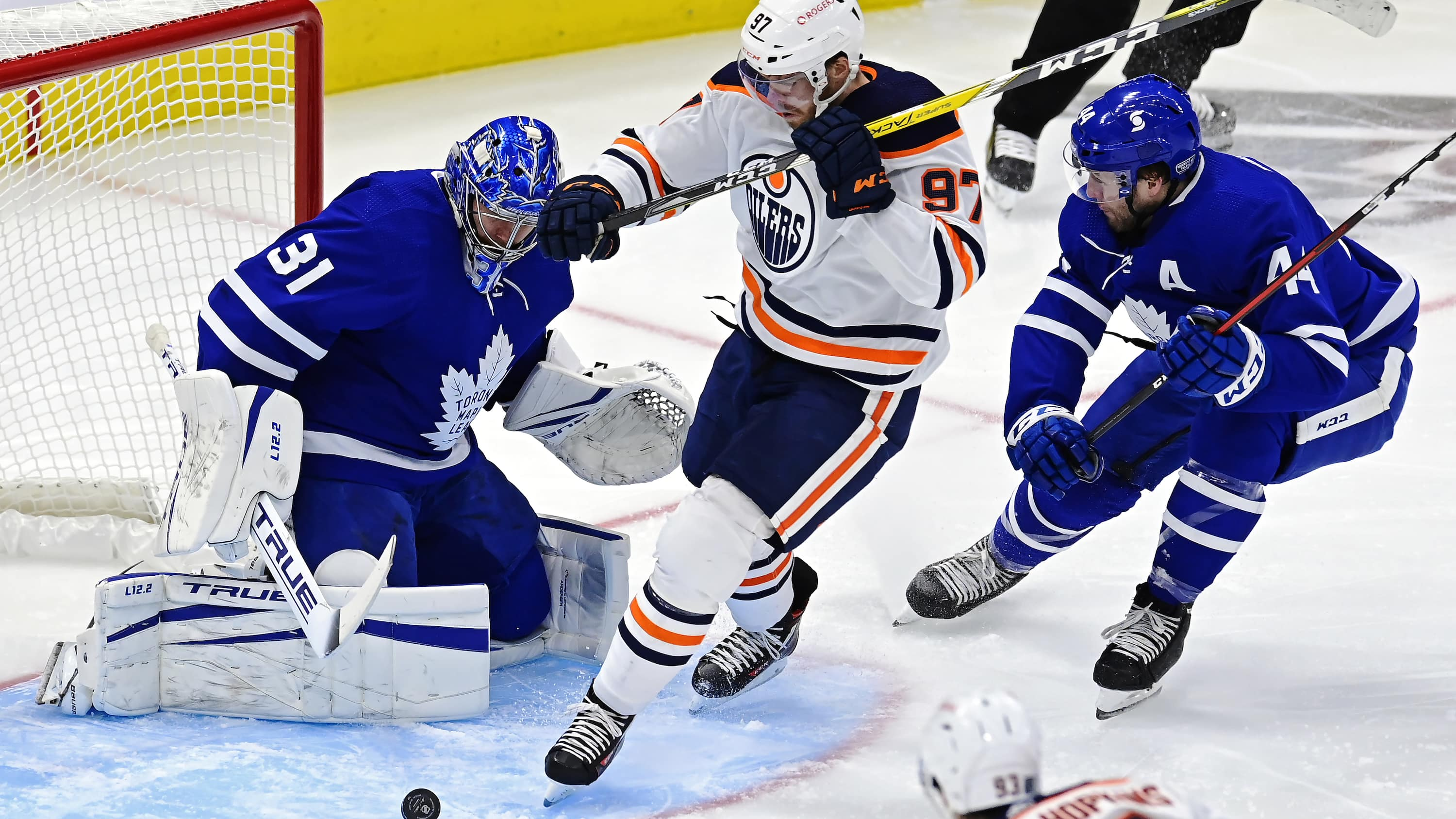 Maple Leafs edge Oilers with winner from Tavares Sports45 minutes agoVideo1:02