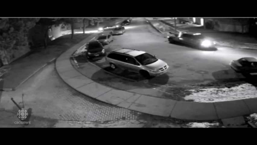 Toronto Police release security video in shooting investigation (2/2