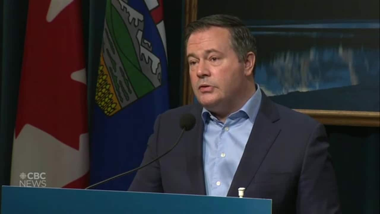 Why Kenney is having a rougher ride than Trudeau with his pipeline purchase