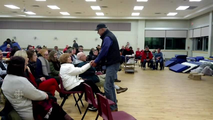 Musician tom jackson entertained people stranded in for T s dining virden