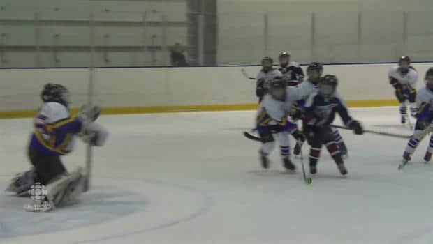 Regina Hockey Tournament Draws 900 Young Female Players Cbc News