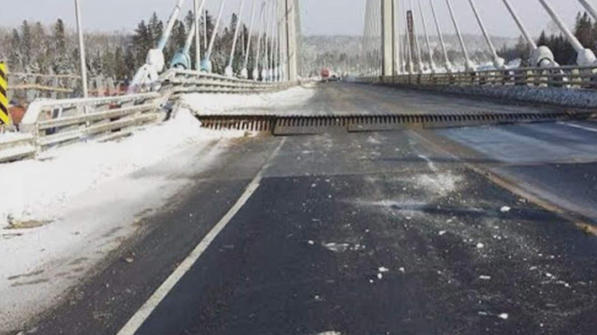 Ontario's Nipigon River bridge fails, severing Trans-Canada Highway
