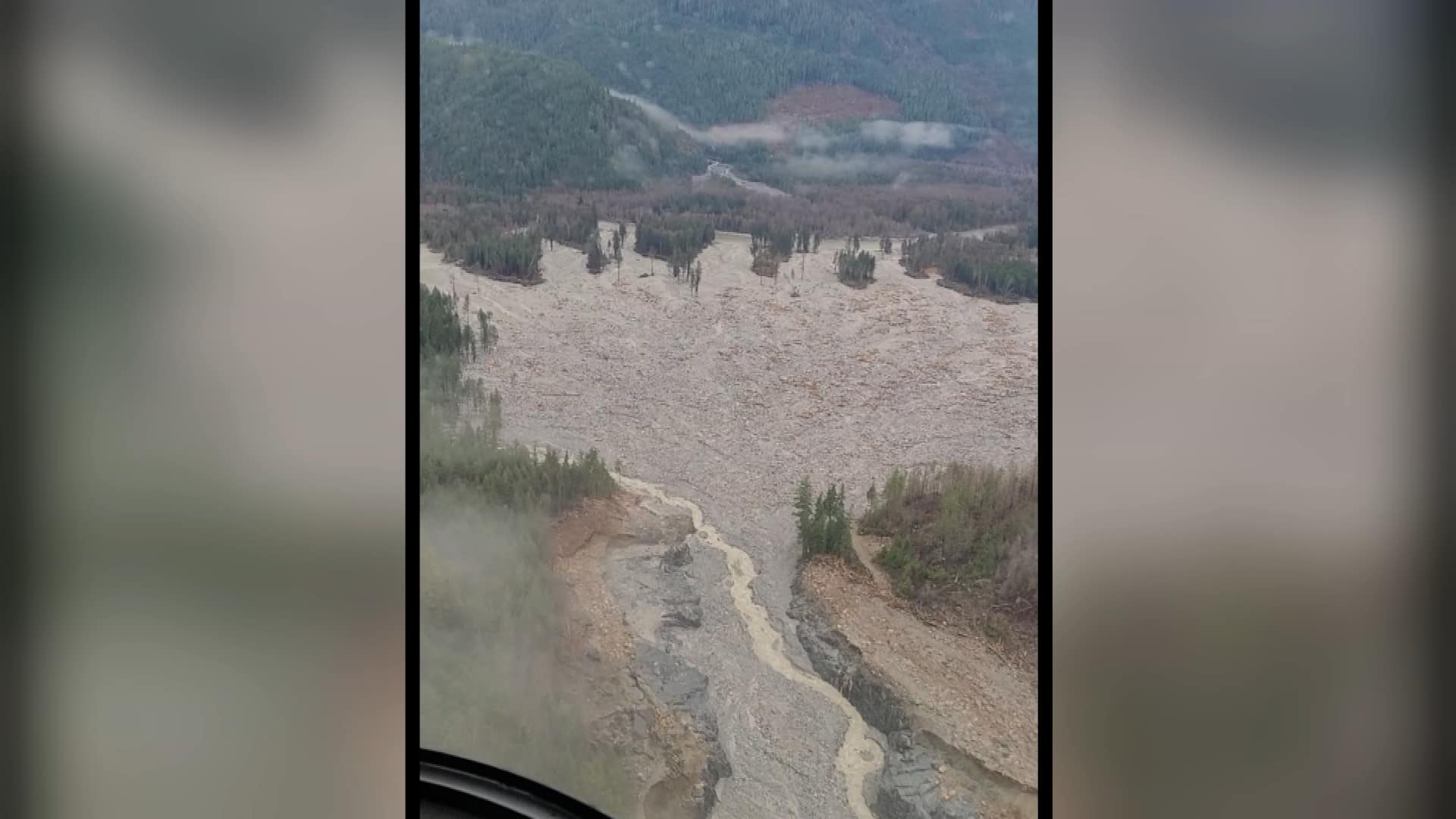 Researchers Hunt cause of Gigantic B.C. rockslide that Mimicked a Fresh Pond thumbnail