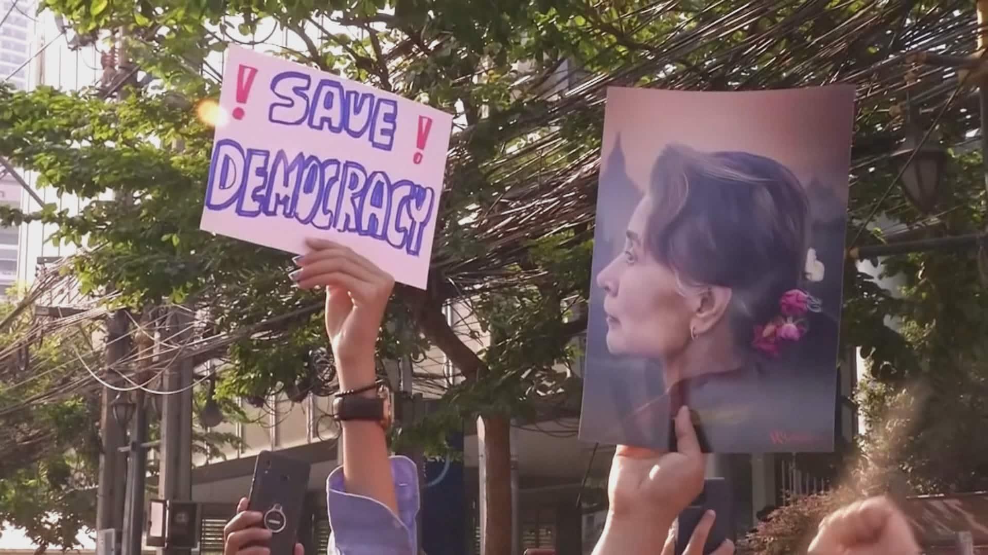 https://thumbnails.cbc.ca/maven_legacy/thumbnails/923/991/MYANMAR-COUP_frame_703.jpg