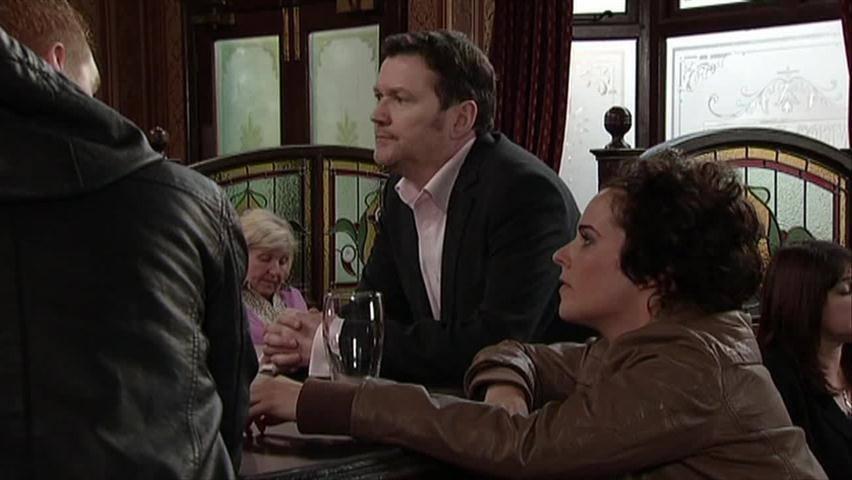 Watch Coronation Street Season 53 Episode 245 - msn.com