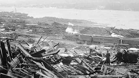 halifax harbour explotion the day the war came home From the arrival of the mi'kmaq to ships of hitler's war and the tragedy of the halifax explosion,  halifax came there to hunt and  the war halifax harbour.